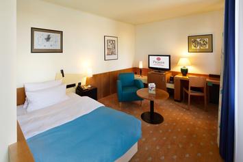 Die Classic Zimmer Im Haupthaus Sind Freundlich Und Komfortabel  Eingerichtete Zimmer Mit 1,20m Breiten Einzelbetten, Sitzecke Für Eine  Person Sowie ...